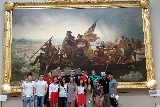 "New York program students in front of ""Washington Crossing the Delaware"" by Emanuel Gottlieb Leutze."
