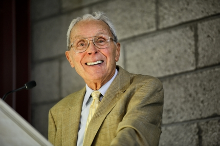 Ted Taylor '46 speaks during the annual Helen and Doane Comstock '27 Memorial Luncheon honoring student scholarships. (PHOTO BY NANCY L. FORD)