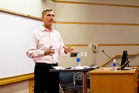 "Richard Burns '77, executive director of the Lesbian, Gay, Bisexual and Transgender (LGBT) Community Center in New York City, presented a lecture titled ""LGBTQ Rights: Past, Present and Future."""