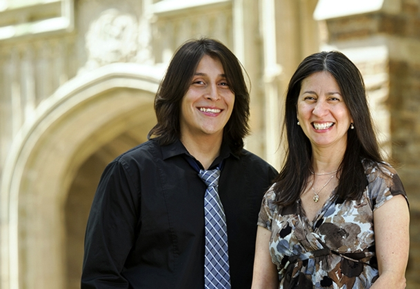 José Iraheta '13 and Associate Professor of Hispanic Studies Edna Rodríguez-Plate