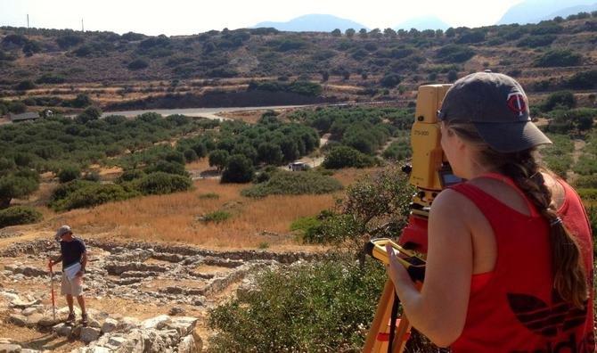 Mackenzie Leavenworth '15 Digs Into Ancient Greece