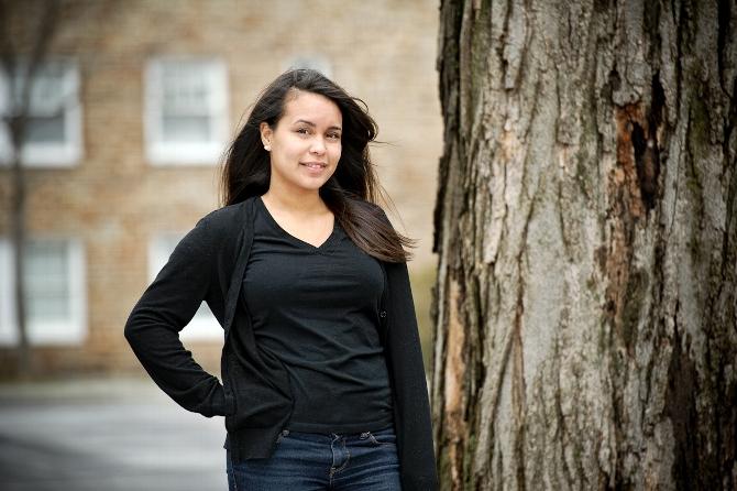 Kayla Cody '15 and Kiana Sosa '15 Awarded Bristol Fellowships