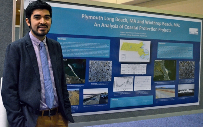 Mendieta '14 Presents Research at GSA Meeting
