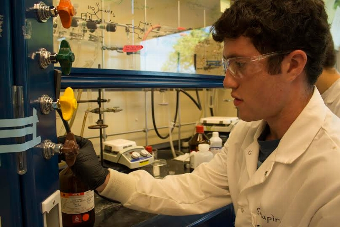 Jon Shapiro '17 Studies Chemical Reactions With Biological Activity