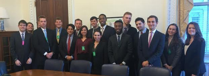 DC Group Meets With White House Alumni Staffers