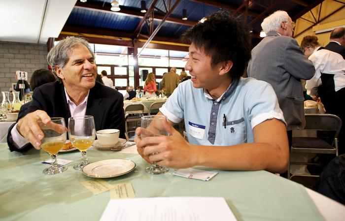 Sociology Professor Dennis Gilbert with Andy Chen '16 at the Comstock Lunch. PHOTO: BY NANCY L. FORD