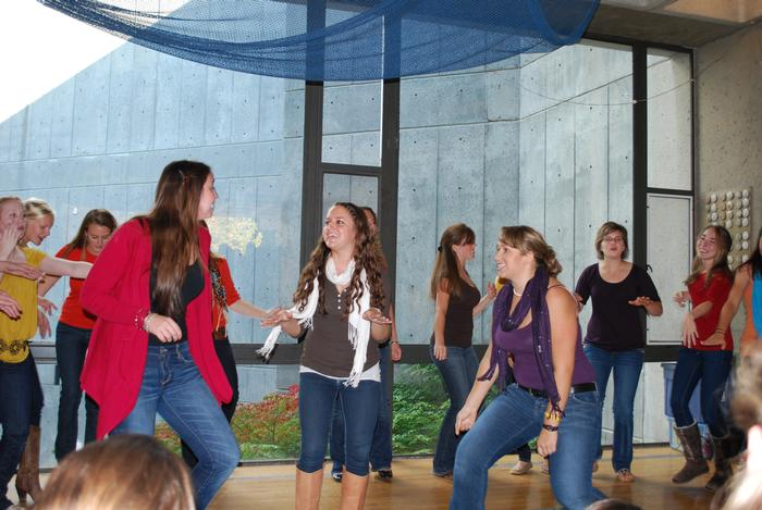 Tumbling After, one of Hamilton's all-female a cappella groups, performed during Fallcoming