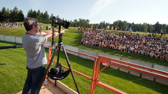 Members of the Class of '15 gather for their class photo on Steuben Field. PHOTO: BY LAURA LAUREY