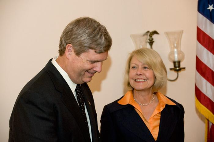 Tom '72 and Christie K'72 Vilsack at the Washington, D.C. welcome reception.