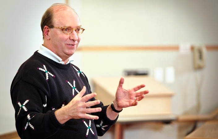 Rob Morris '76 spoke to Erol Balkan's International Finance class.
