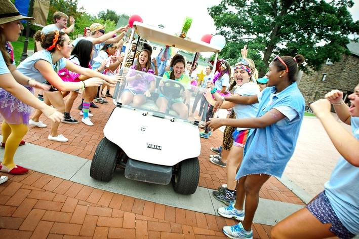 Orientation Leaders welcomes new students to campus.<br />Photo: Nancy L. Ford
