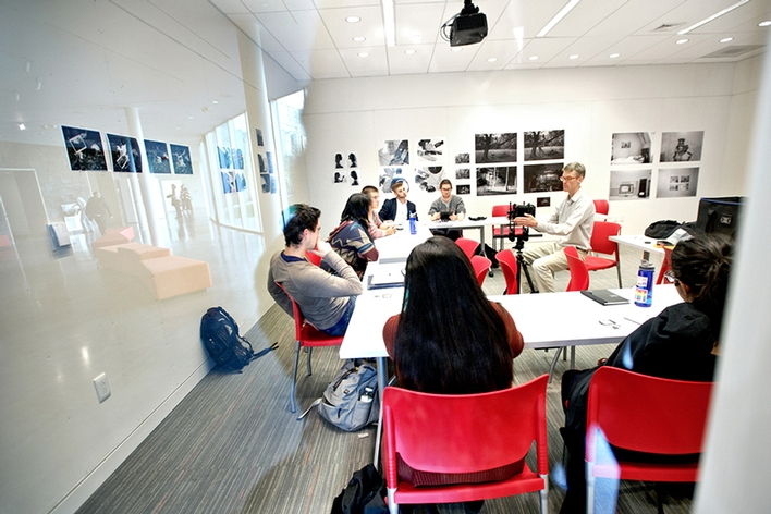 Professor Robert Knight teaches in a photography classroom in The Kennedy Center.<br />Photo: Nancy L. Ford