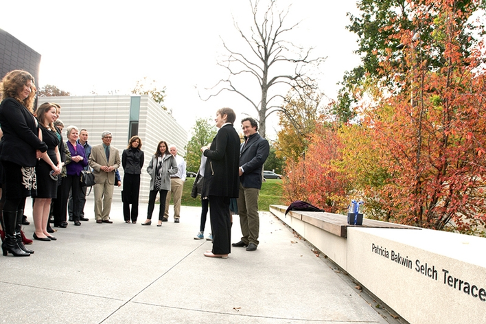 President Joan Hinde Stewart officially dedicates the Patricia Bakwin Selch Terrace at the Wellin Museum.<br />Photo:
