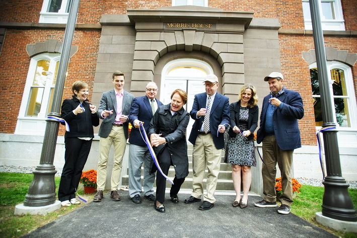 From left, President Joan Stewart, Student Assembly President Andrew Fischer &apos;17, Jerrold Newman, Dean of Students Nancy Thompson, Rob Morris &apos;76, Mary Helen Garrett Morris and Steve Sadove &apos;73 cut the ribbon at the Morris House dedication.<br />Photo: Nancy L. Ford