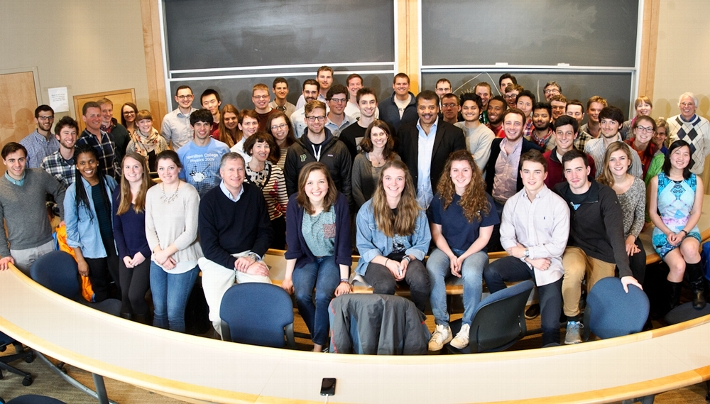 Hamilton environmental studies and physics student pose for a group photo with Neil deGrasse Tyson.<br />Photo: Nancy L. Ford
