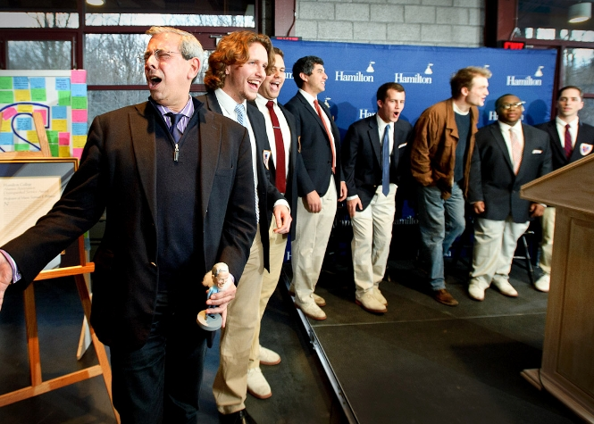 Outgoing Alumni President John Hadity &apos;83 sings along with the Hamilton College Buffers A Cappella group during the Volunteer Weekend Recognition Dinner in Tolles Pavillion<br />Photo: Nancy L. Ford
