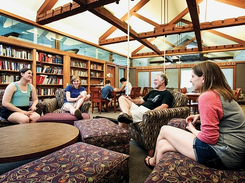 Conversations break out frequently in the chapel lounge