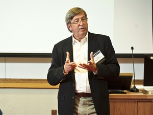 K. Blake Darcy '78, a pioneer of online commerce as founder and CEO of the online brokerage firm DLJdirect, spoke about the challenge and promise of entrepreneurship within the Hamilton community.