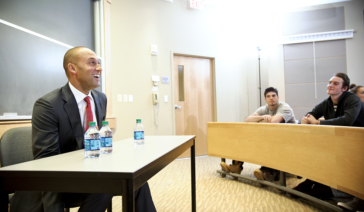 Derek Jeter meets with students at Hamilton College