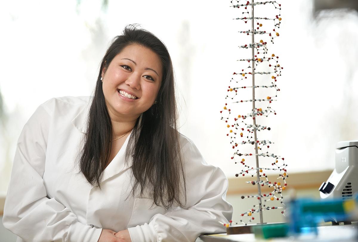 Kari Koga '15 in the genetics lab in Hamilton's Taylor Science Center.