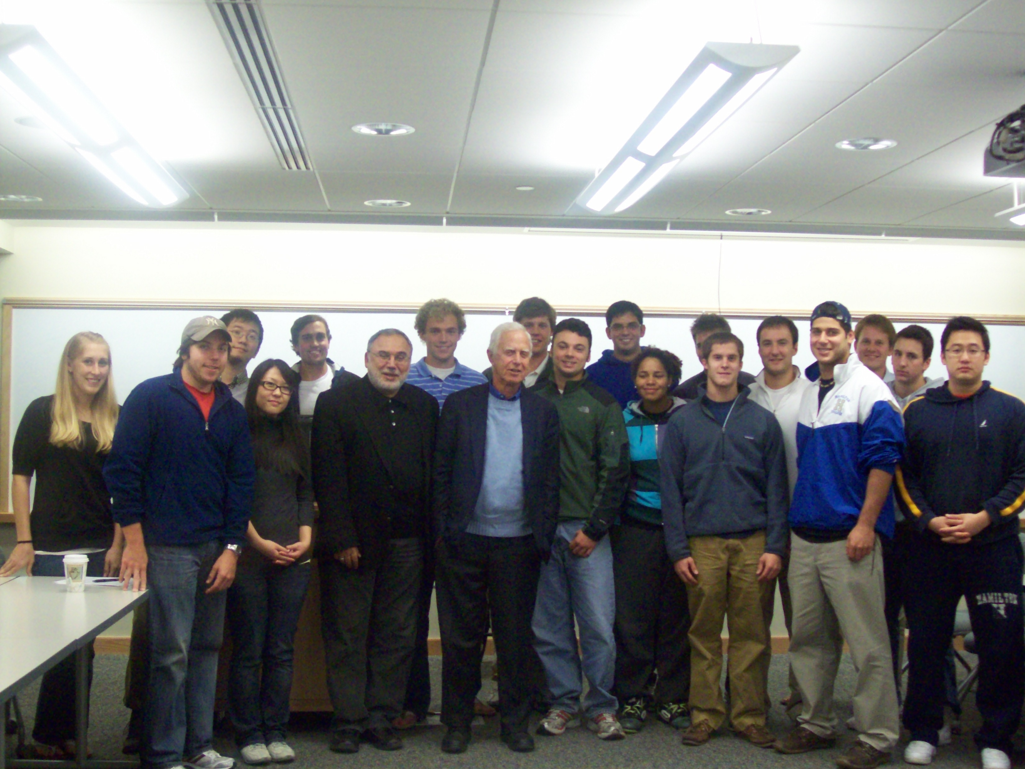 Former SEC Chairman Arthur Levitt P'81 addressed Erol Balkan's international finance class.