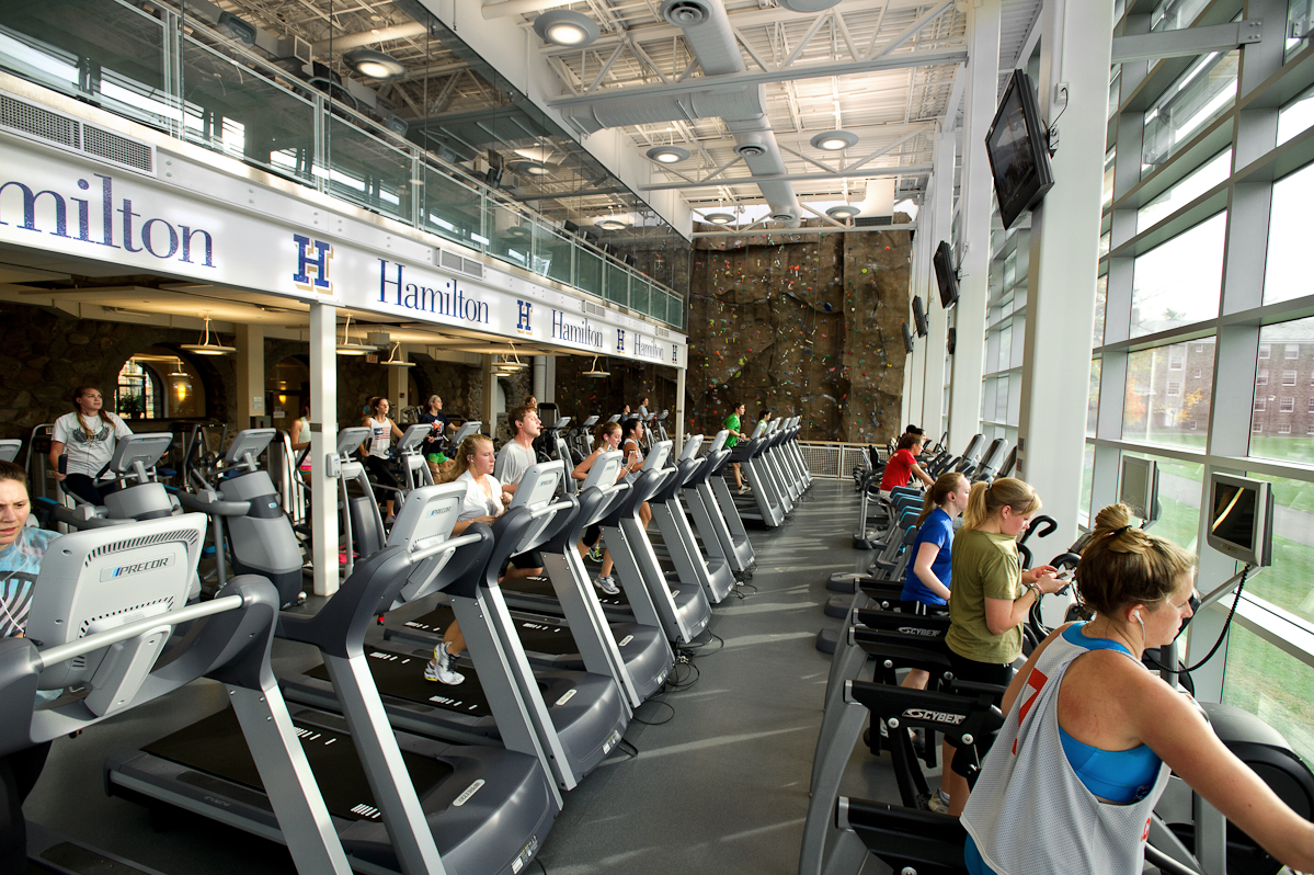 college fitness center Fitness center hours for spring break, march 12 to march 17: monday-thursday 5:30am to 11:30am and 4:00pm to 7:00pm friday 5:30am to 9:30am and 4:00pm to 7:00pm.