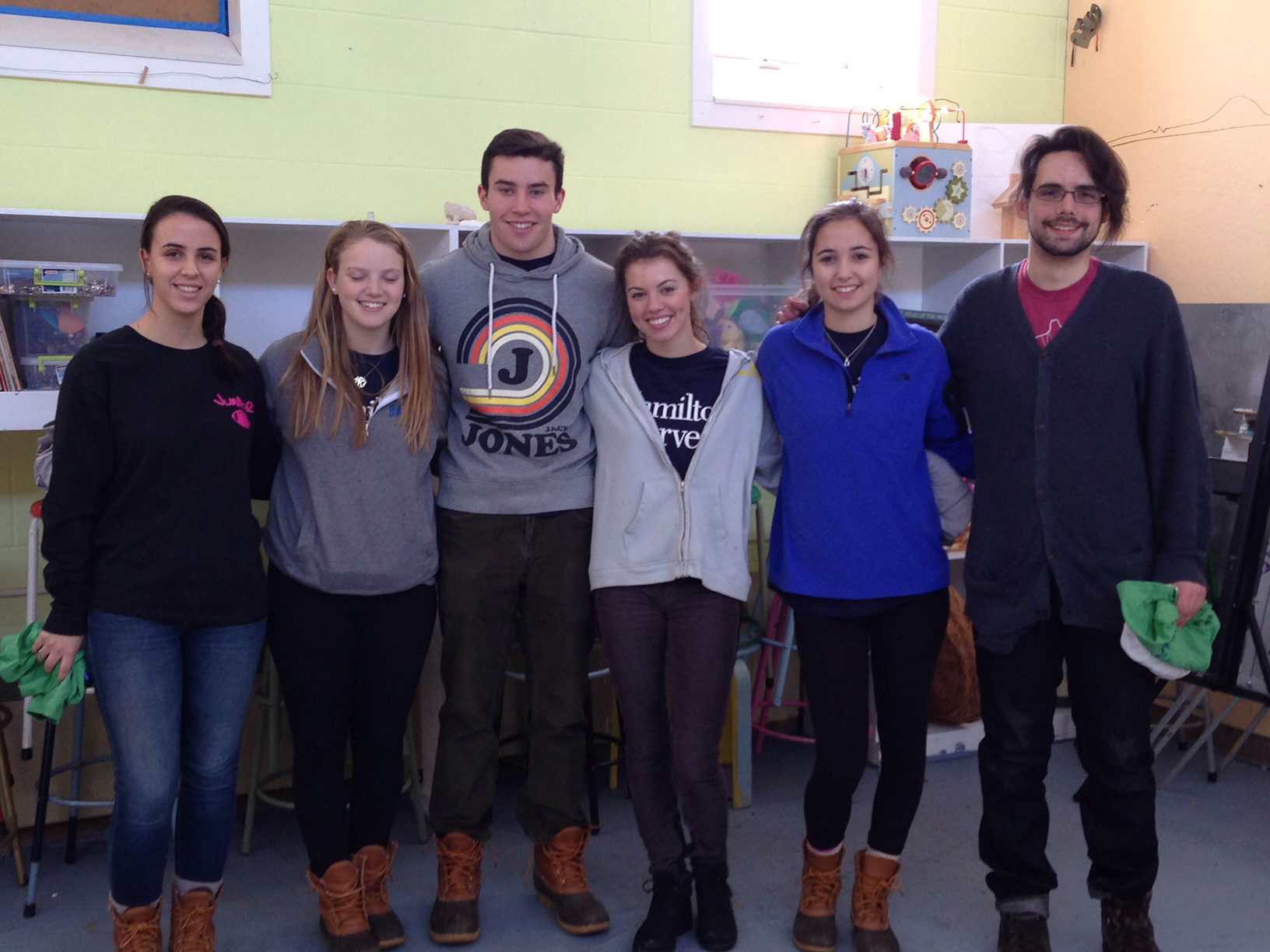 Group leader Hannah O'Leary '17, Allison Mogul '18, Jesse Heekin '18, Katherine Bauer '18, Caitlin Becker '18, and leader Kyle Burnhan'15 at the Kirkland Arts Center.