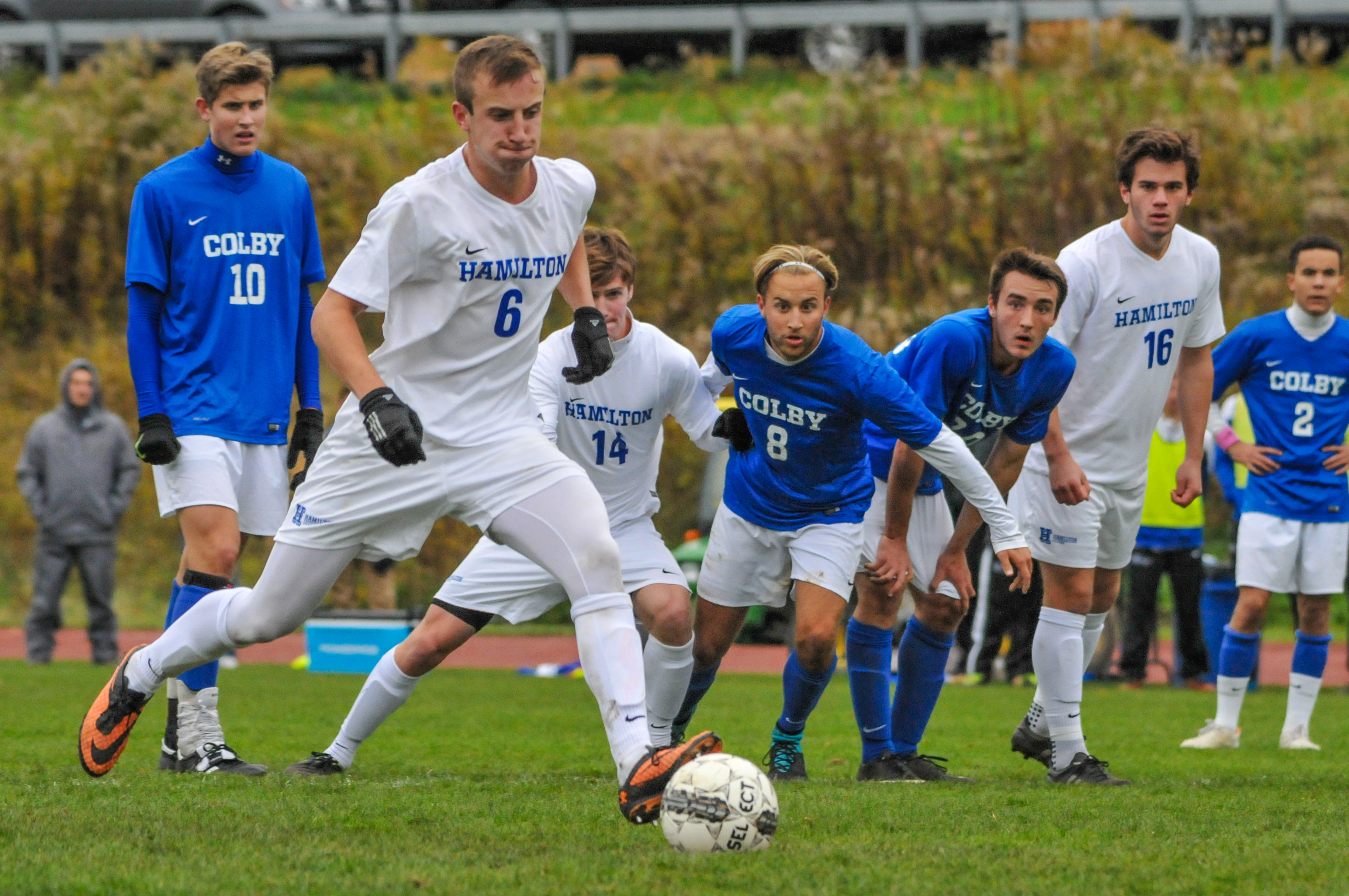 Men S Soccer Honors Seniors And Beats Colby News Hamilton College