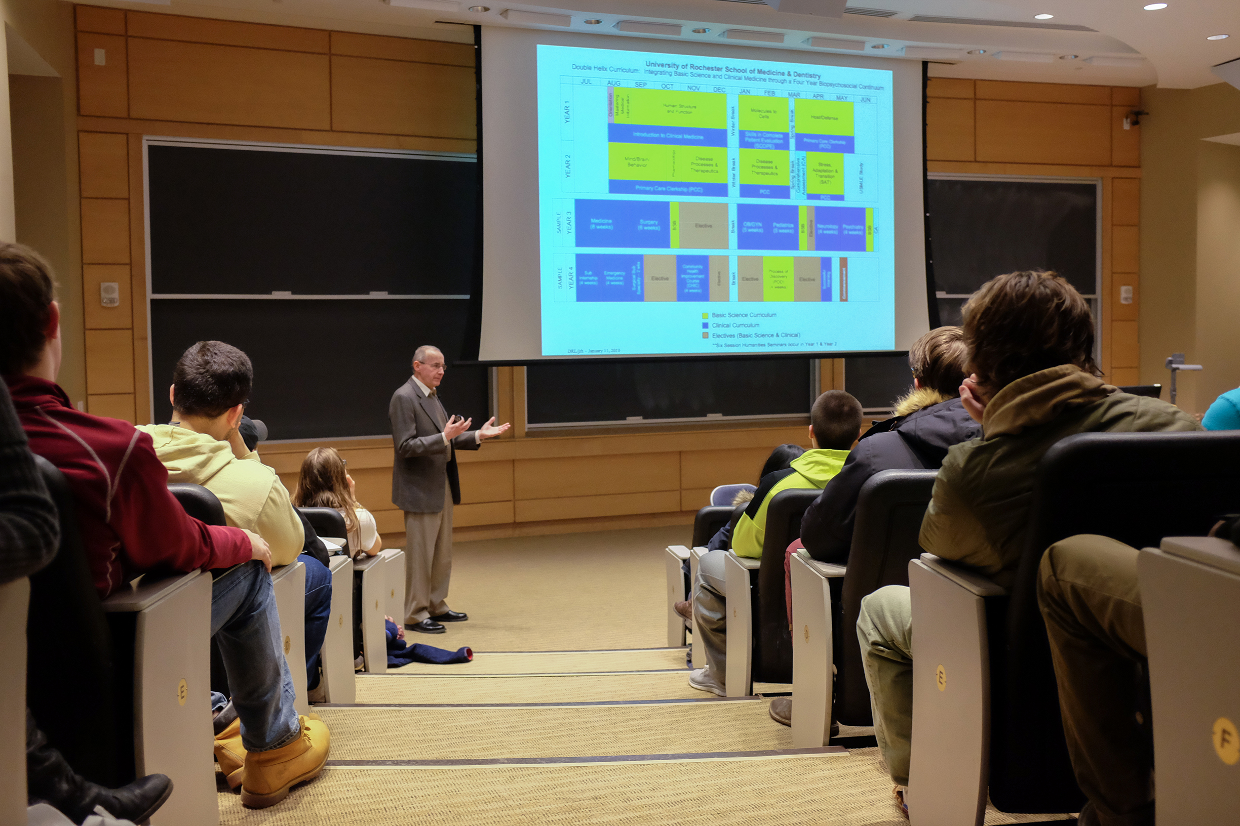 John Hansen of the University of Rochester Medical School speaks to Hamilton students on Jan. 26.